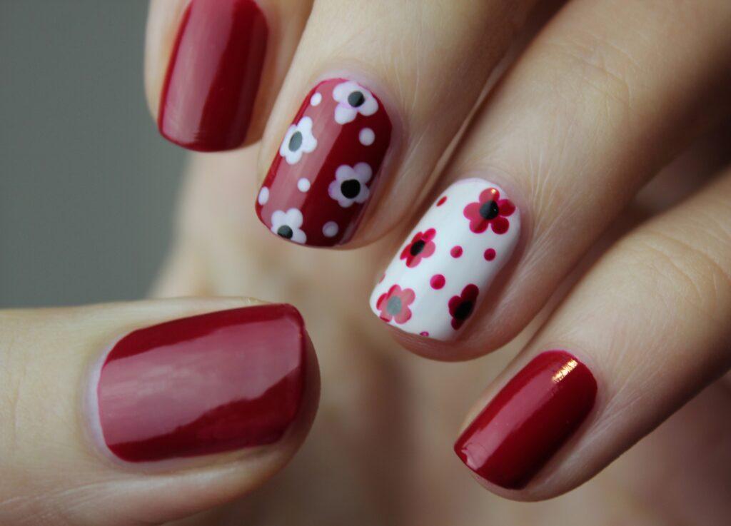 nail-art-5653459_1920